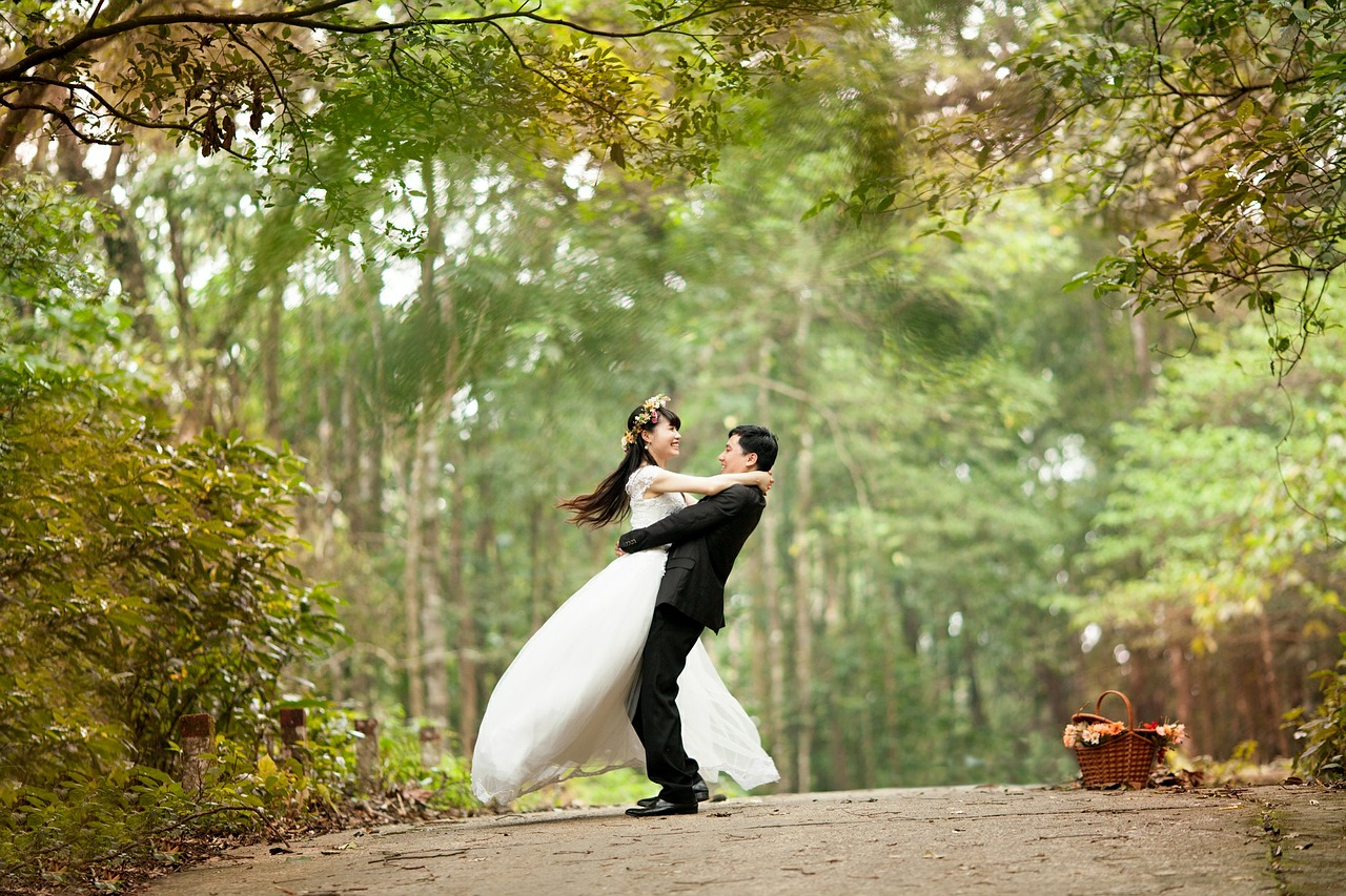 Mariés qui danse