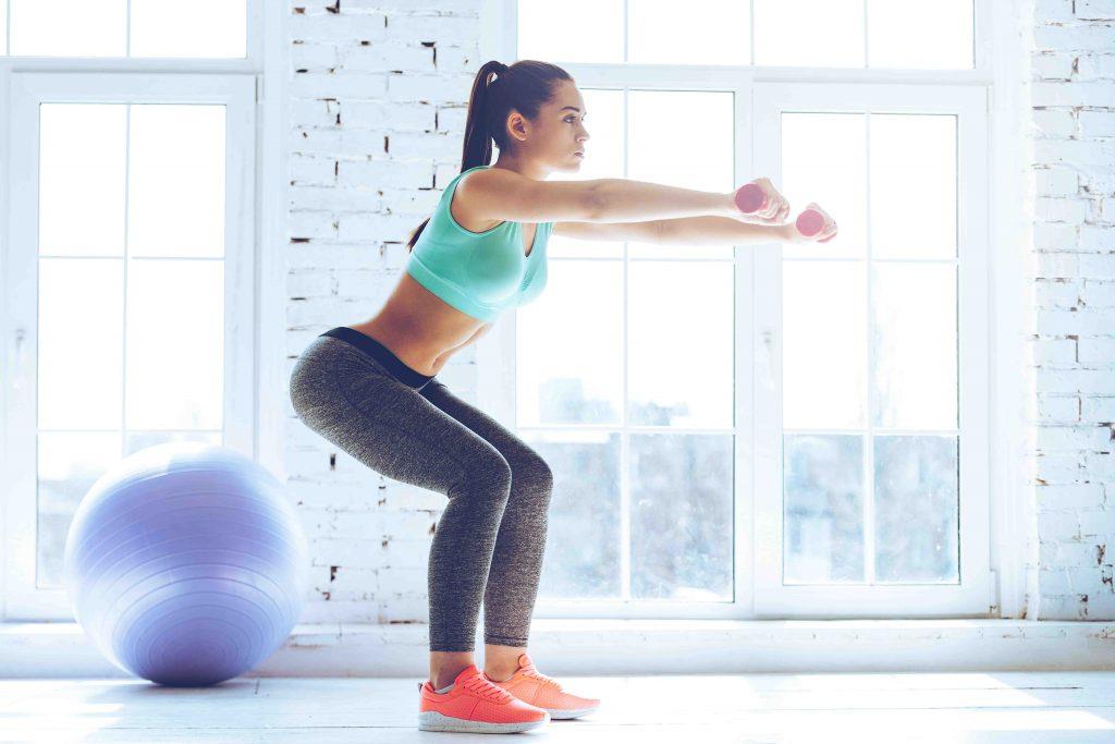 femme en squats